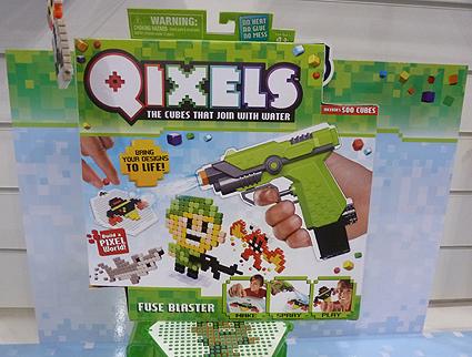 Qixels Fuse Blaster Gun
